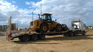 The arrival of a wheelloader from Walvis Bay (Namibia)